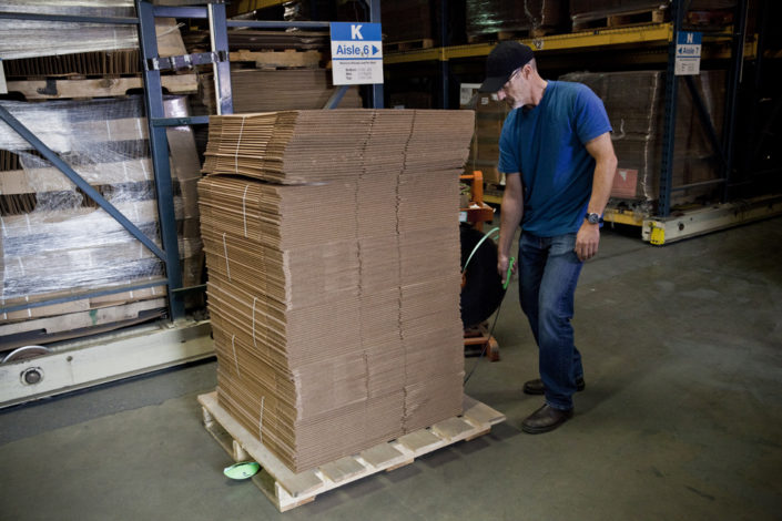 Pallet Strapping Standing 1
